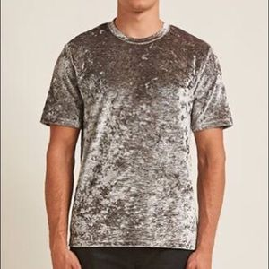 F21 men's crushed velvet tee
